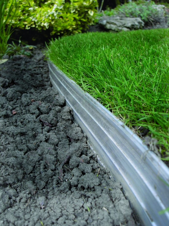 Products garden edging accessories quicksolutions ltd for Garden trim